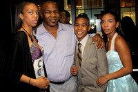 MIKE TYSON & HIS CHILDREN GINA, AMIR, RAINA